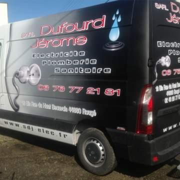 Publicité sur fourgon réalisée en carrosserie