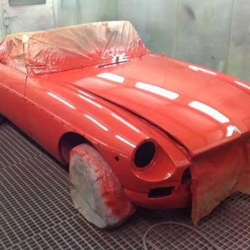 peinture rouge de carrosserie rétro