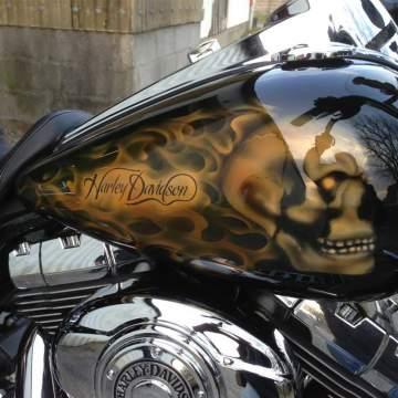 Aérographie sur Harley Davidson