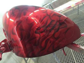 Harley Métal flakes candy red flamme true fire