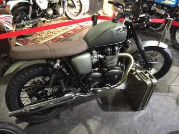 Peinture moto Triumph Bonneville Nantes 44