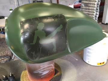 Peinture moto personnalisation Mash 400 pin-up 44