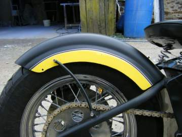 Harley Davidson noir mat & jaune nacré brillant