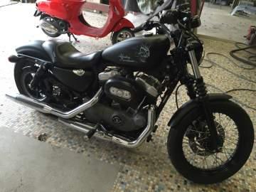Peinture moto Harley Skull white and black mat Nantes 44